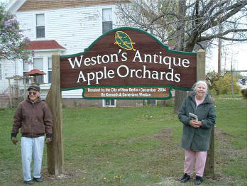 westons orchard sign